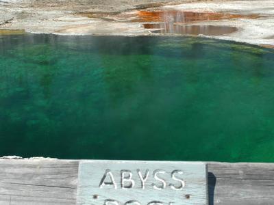 Abyss Pool - Yellowstone - USA