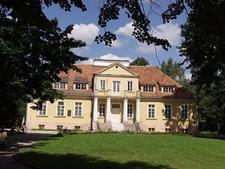 A-Manor-in-Tybory-Kamianka
