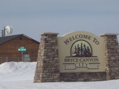 Bryce Canyon City Welcome Sign