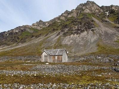 Camp Miller Gold Mine Hut