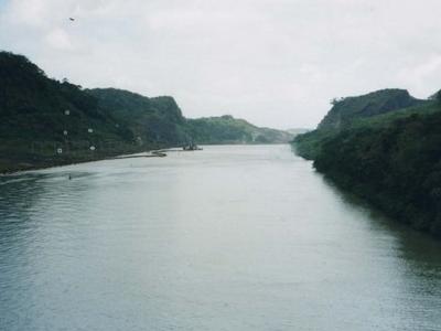 Panama  Canal Approaching  Gaillard  Cut