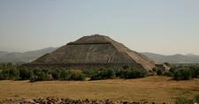 Sun Teotihuacan With Crowd