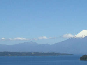 Photografic Safari   The Massive LLanquihue Lake & Towns  - Chile Photos