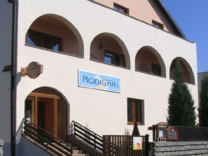Hostel and Pension Rodigari