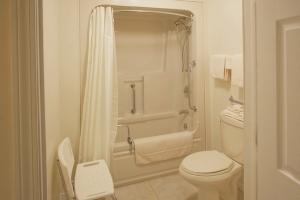 Econo Lodge Inn and Suites Saint John