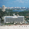 Holiday Inn Lido Beach