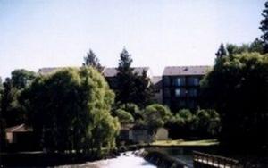 Bend Riverside Motel Suites