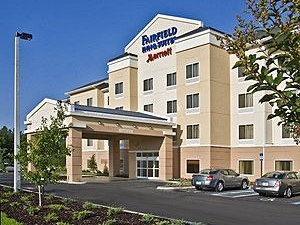 Fairfield Inn and Suites By Marriott Commerce